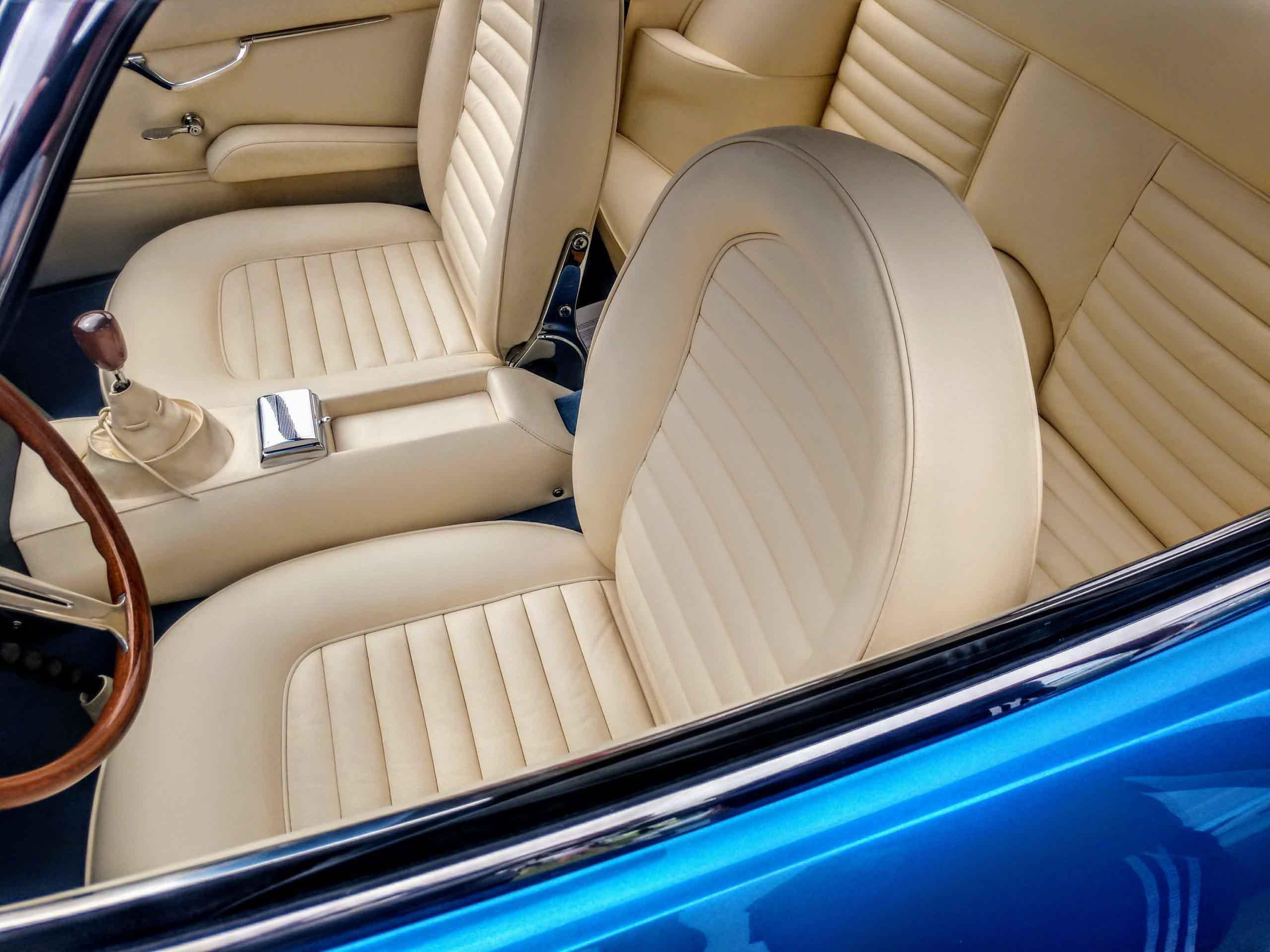 400-GT-interior-scaled
